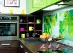Декорирование стен на кухне и в гостиной